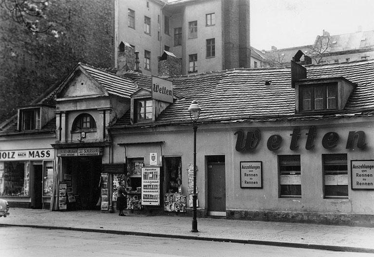 Schwarz-Weiß Foto Bürgerhaus 1960er
