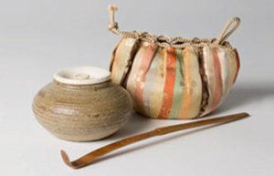 Beutel und Gefäß für Tee, Bambusstab